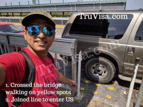 Laredo bridge1 crossing half way on bridge